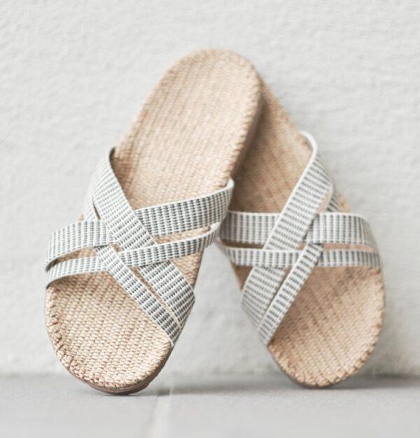 Wit gestreepte dames slippers