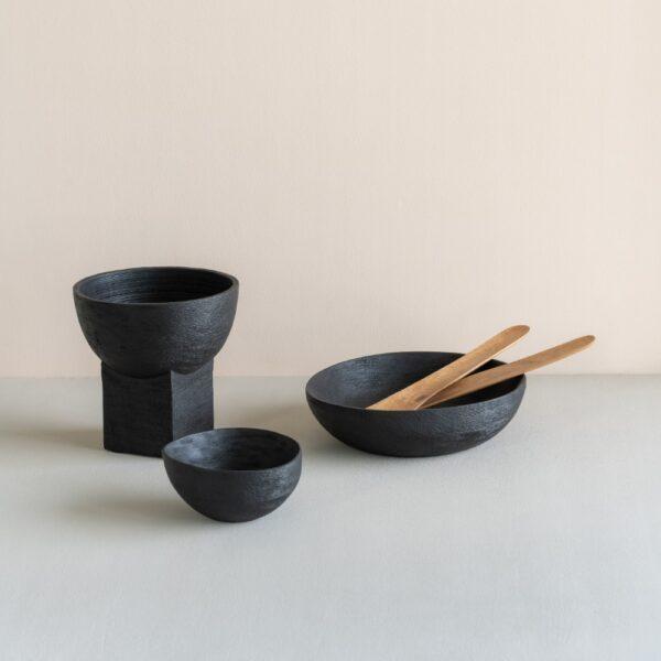 zwart houten schaaltje